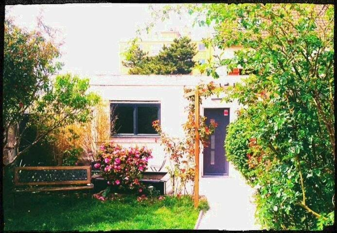 """The Garden's Cottage"". (Paris,Disney...)"