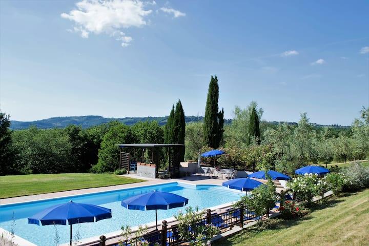 Appartamento CIELO  giardino e piscina zone riserv
