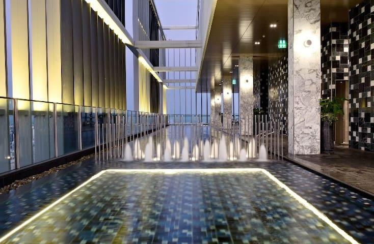Luxury condo, BTS Phrom Phong Sukhumvit