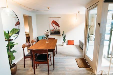 Design Apartment in Hamburg's stage quarter.