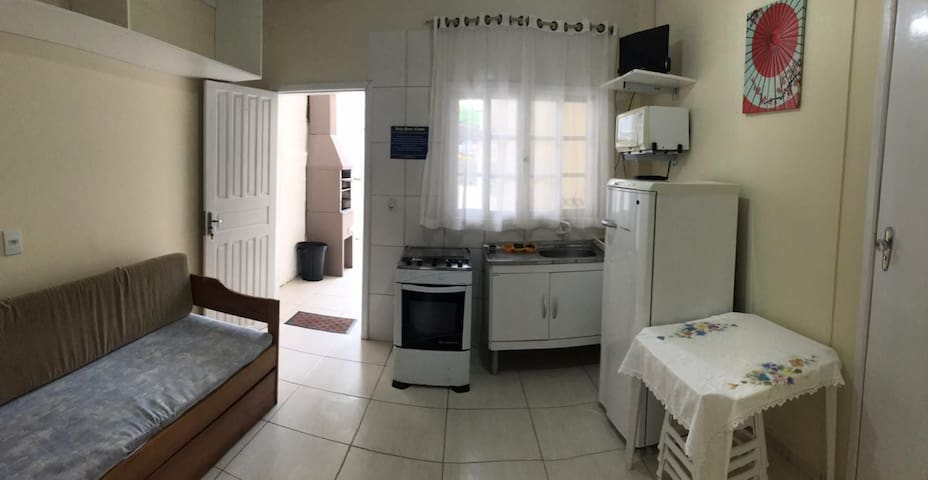 Apartamento 01 dormitorio, à 50 metros do mar!