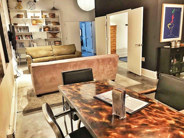 PRIME Downtown Art Apartment / Serene & Walkable