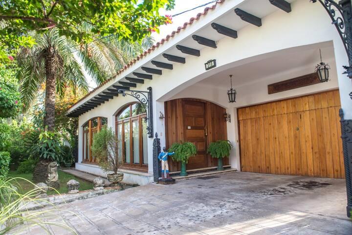 Residence by G Hostal Portería - Suite Sibila