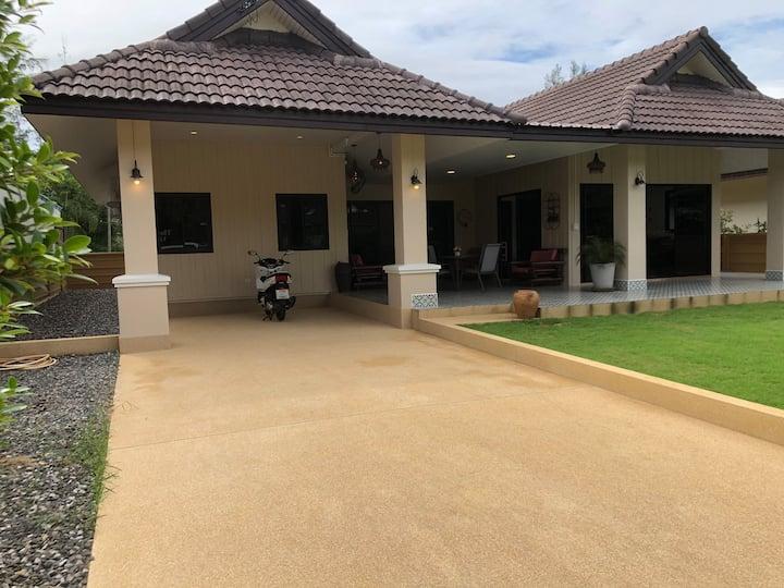 Villa Mayom