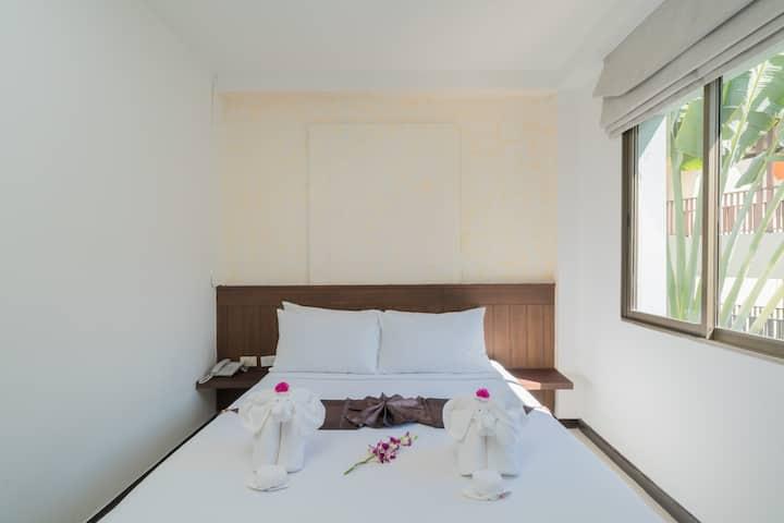 🌴Φ A Beach front destinaation Basic double room Φ