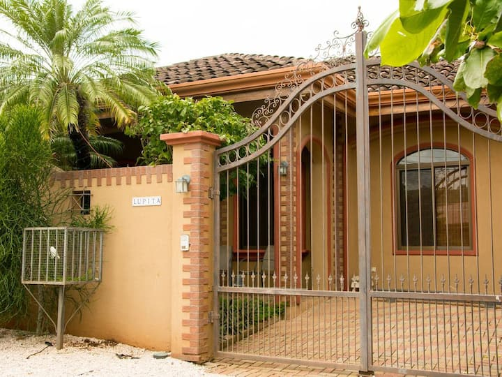 Casa Lupita Playa Del Coco