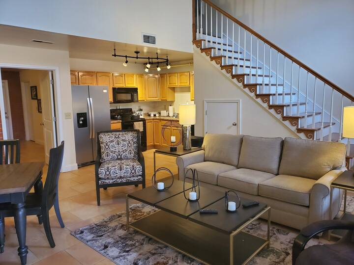 Large 2/br condo that sleeps 6 near JCMC and ETSU