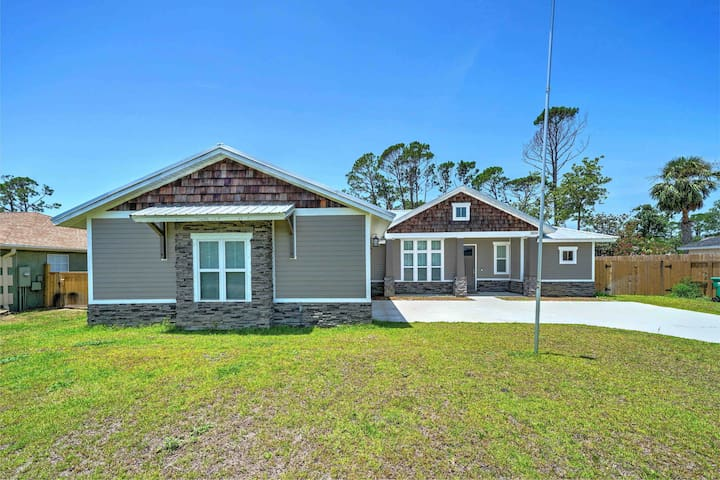 Brand New 4/3 Modern Home - Blocks to the beach!