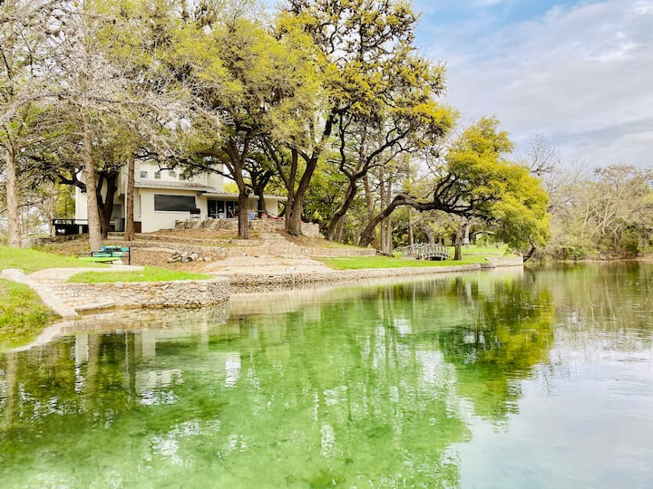 Secluded, Luxury, Waterfront at Stepladder Ranch