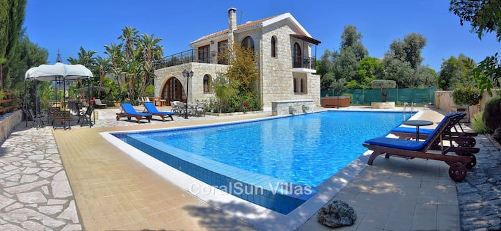 Excellent Huge Gardens & Pool 7x14m- Children Pool