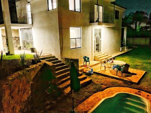 Moderna Casa de campo c/ Alberca y Terraza privada