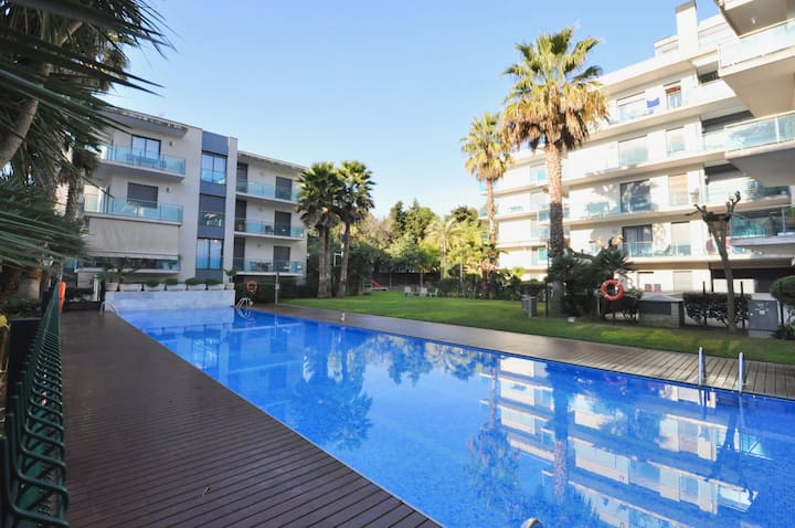 Apartment Tetiana, terrace, parking, pool and air conditioning