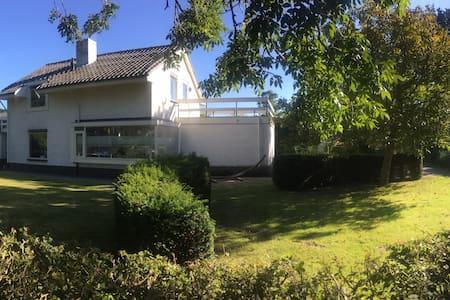 Huys Noordwelle met grote Jacuzzi | zeeland - Noordwelle - Villa