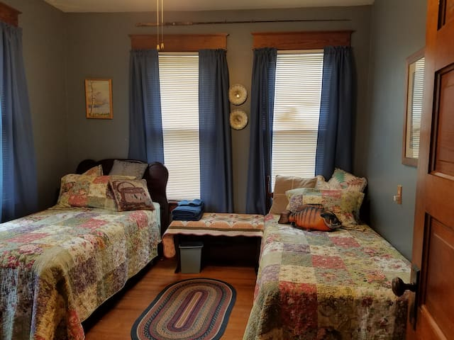 Bed & Biscuit (Angler Room)