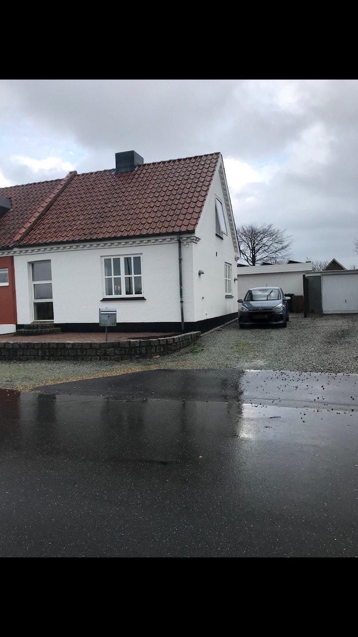 Nykøbing Mors Lille hus tæt på Jesperhus