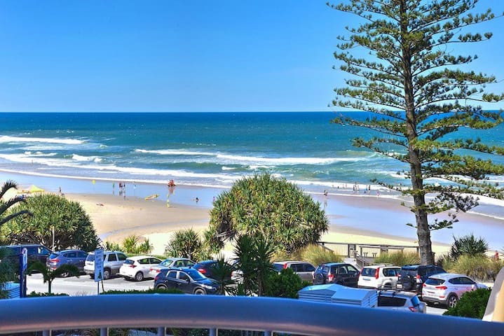 Coolum Ocean View Top Floor Apartment- Baywatch 18