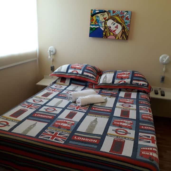 SUÍTE  CASAL + 1 cama