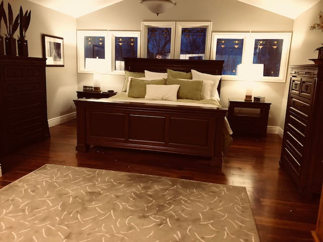 #1 Bedroom - Master Suite with Adjustable vibrating King Malouf  bed with ensuite bathroom.