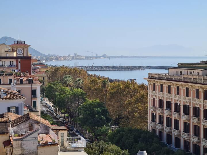 Stanza privata in centro storico, 200m dal mare