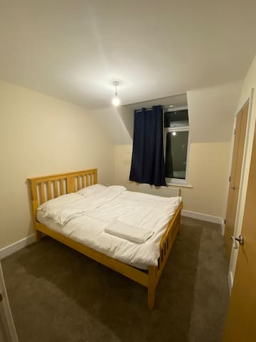 Near city centre double Bedroom