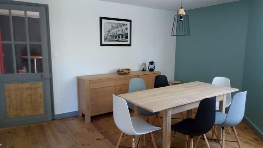 Chambre dans maison moderne proche d'Angoulême