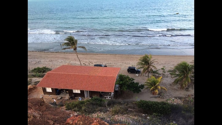 Casa de Madeira na praia Paraíso Picos em Icapuí !