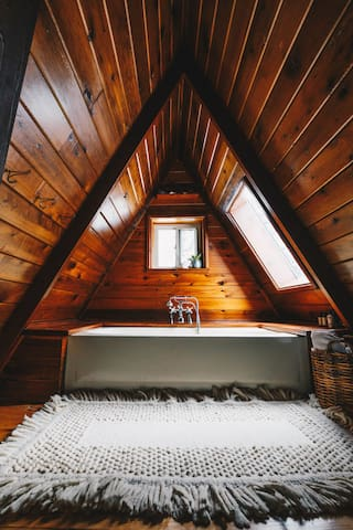 The upstairs bathroom Photo: Angela Conners @angela conners