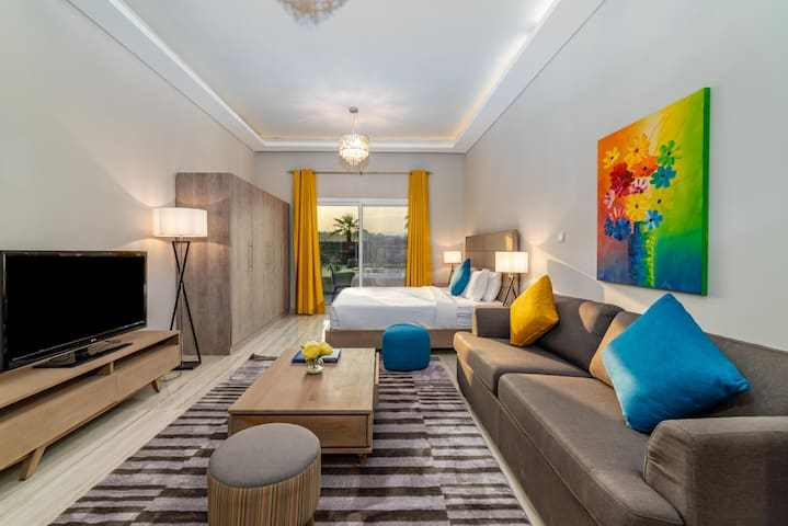 Contemporary Studio in Jumeirah Village Circle III