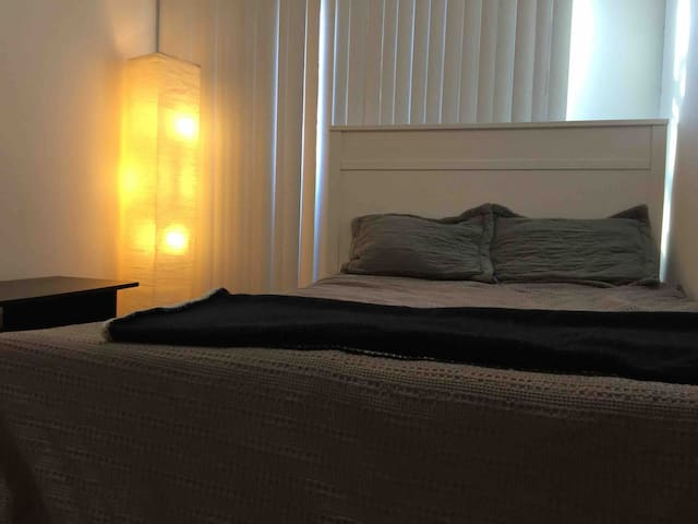 Comfort Room#5 near Subway and Queens mall
