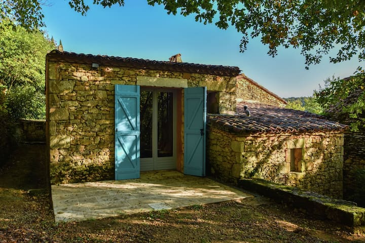 romantic gîte in the woods with private swimming pool and view on the valley.