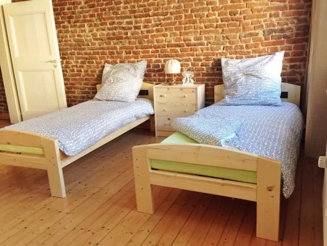 3F1: Cozy Room in Historical House in old town - Düsseldorf - Lejlighed