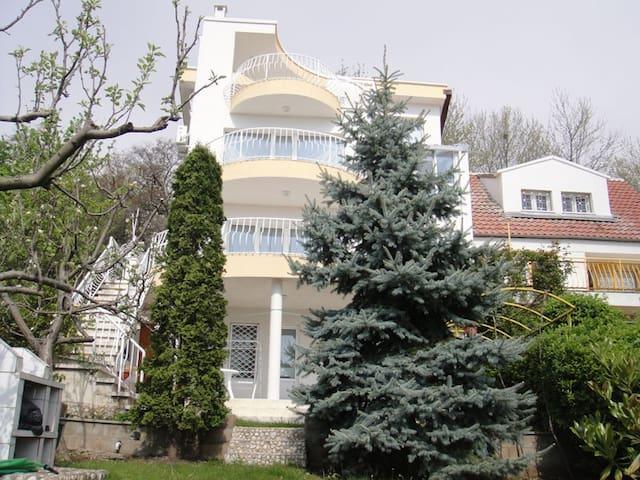 Villa with sea view on the beach - Varna - Rumah