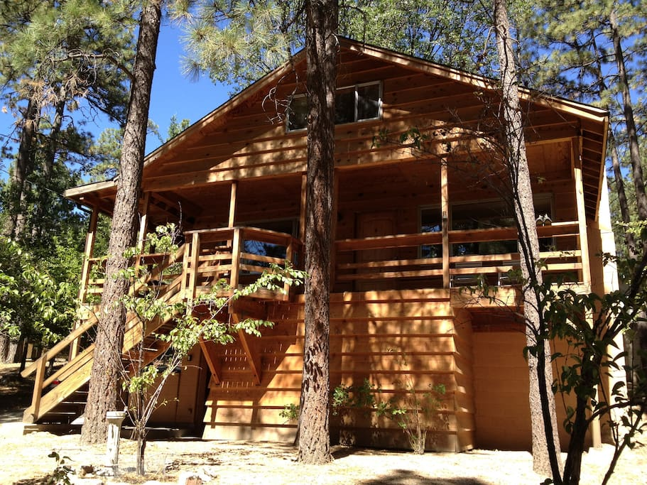 Beautiful cozy home in idyllwild cabins for rent in for Airbnb cabins california