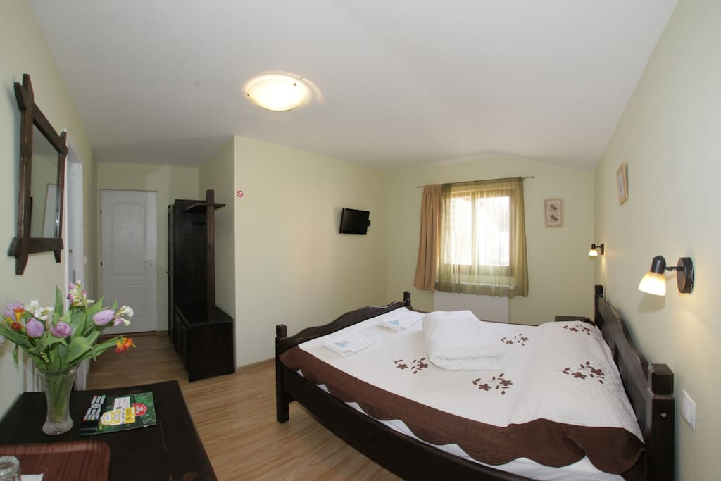 room wit matrimonial bed