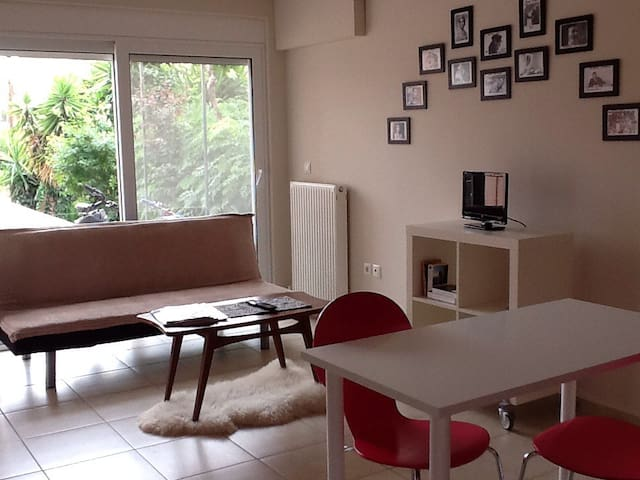 Athens Airport Deluxe Lodging - Glika Nera - Apartment