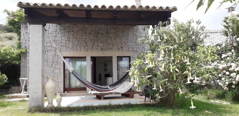 Affitto confortevole villa a 500 metri dal mare