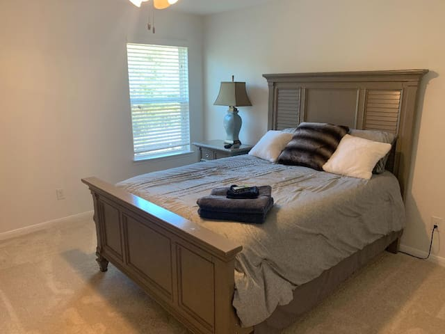 large queen size sleep Number bedroom
