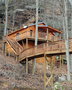 Wildwood Cabin RRG, Hot tub! No cleaning/pet fee!