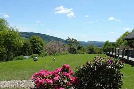 Artistic B&B with a view & privacy! - Stoumont - Bed & Breakfast