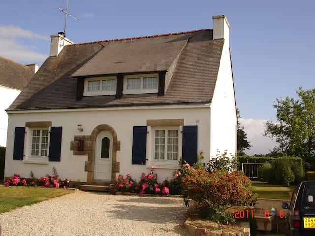maison néobretonne - Melgven - House