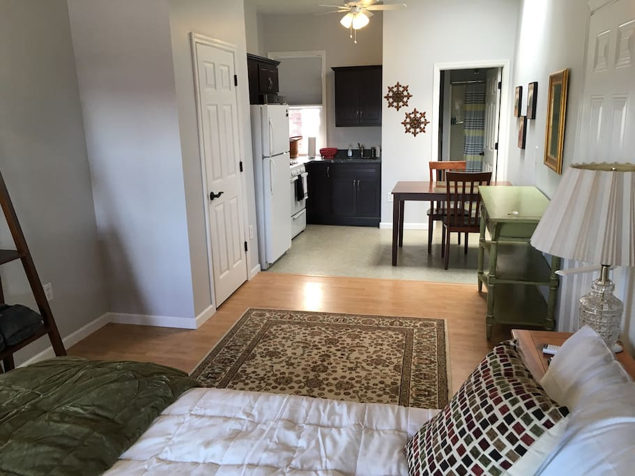 This is a newly decorated studio apartment that is fully equipped.