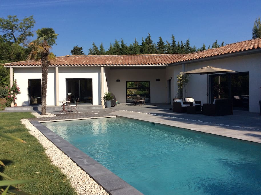 Large Villas To Rent In Provence