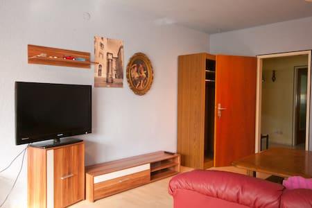 3 Zimmerwohn für bis 5 Personen TV. - Altrip