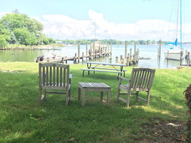 Annapolis Galesville Waterfront Getaway