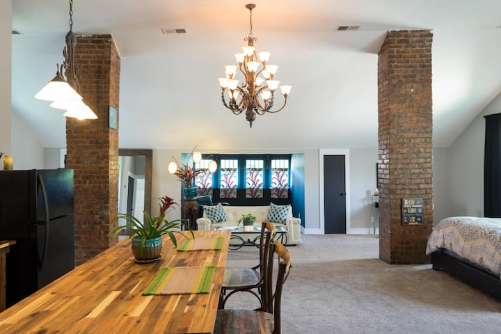 Private Loft Close to Downtown, CM Fest Dates Open - Nashville - Loft