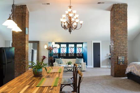 Private Loft Minutes from Downtown - Nashville