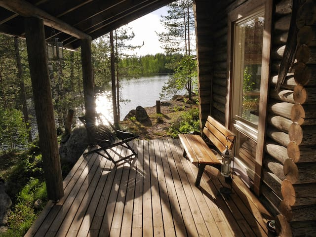 Peaceful & Personal Lake Cottage