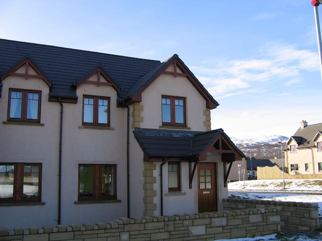 modern 3  bed holiday home - Aviemore - Casa