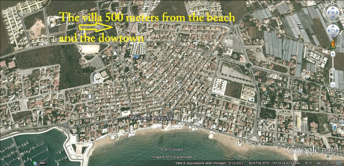 Villa by the beach and the downtown Villas for Rent in Marina di