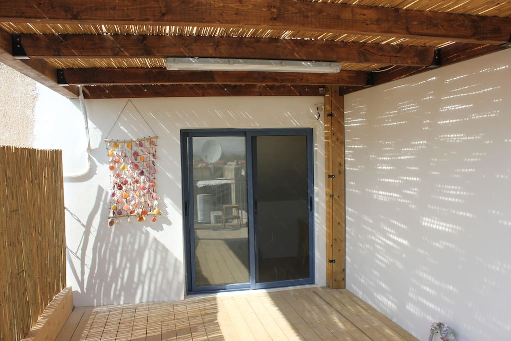 15 square meters of wooden deck and pergola
